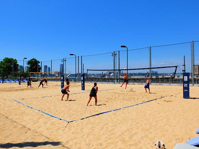 TriBeCa New Yorkissa - Beach Volley