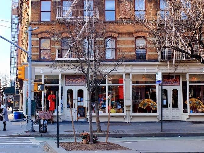 West Village New Yorkissa - Cowgirl