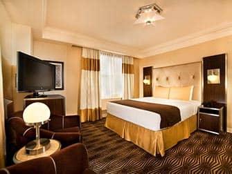 New Yorker Hotel - huone