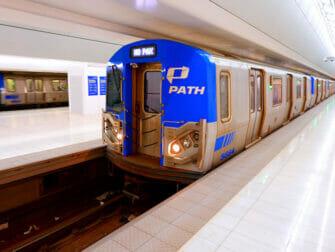 PATH-rautatie - juna