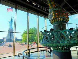 Vapaudenpatsas ja Ellis Island -risteily New Yorkissa - Statue of Liberty Museum