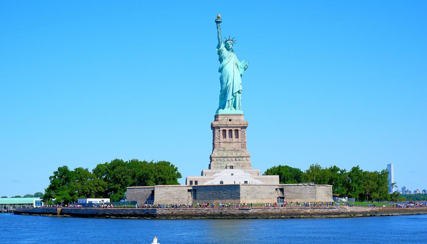 Kuunaripurjehdus New Yorkissa - Vapaudenpatsas