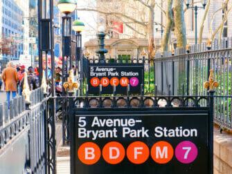 Sisaankaynti metroasemalle New Yorkissa