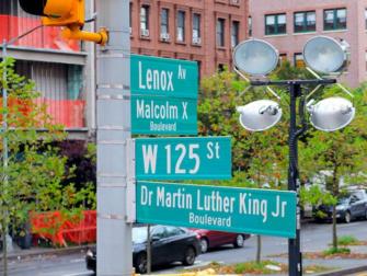 Harlem New York - Tienviittoja