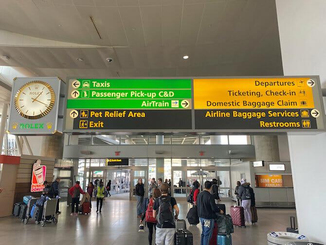 Kulkuyhteydet JFK lentokentältä Manhattanille