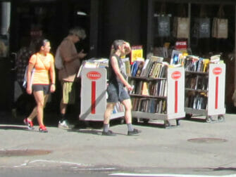 The Strand -kirjakauppa New Yorkissa - kirjoja