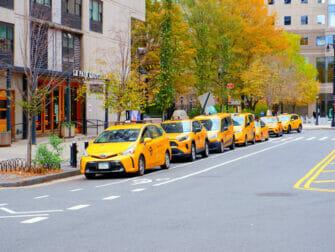 Keltaisia taksjea New Yorkin kaduilla