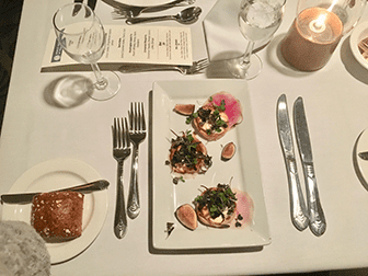 Jouluaaton illallisristeilyt New Yorkissa - Illallinen