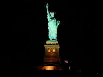 Vapaudenpatsas-iltaristeily - Lady Liberty