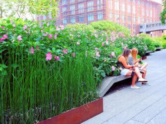 High Line Park New Yorkissa - Kävelyllä