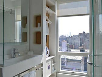 Yotel Hotel New Yorkissa - kylpyhuone