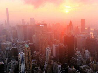 Empire State Building -liput - auringonnousu East River
