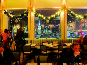 Rockefeller Center New Yorkissa - Bar SixtyFive