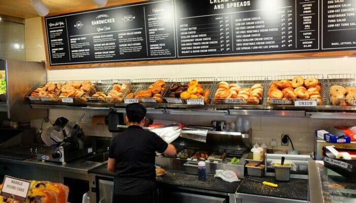 Parhaat kahvilat ja bagelit New Yorkissa - Pick A Bagel