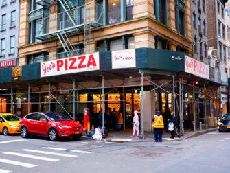 Paras pizza New Yorkissa - Joe's