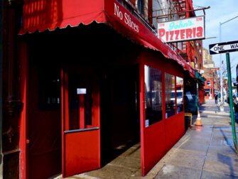 Paras pizza New Yorkissa - John's