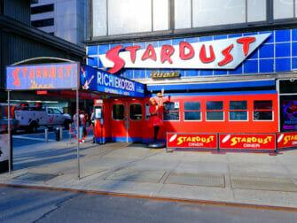 Aamiainen New Yorkissa   Ellens Stardust