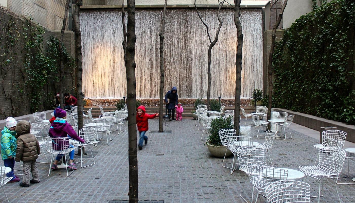 Puistot New Yorkissa - Paley Park