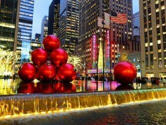 joulukoristeita new yorkissa