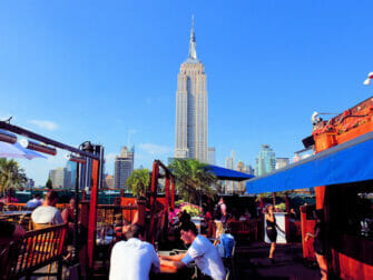New Yorkin parhaat kattoterassibaarit - 230 Fifth paivalla