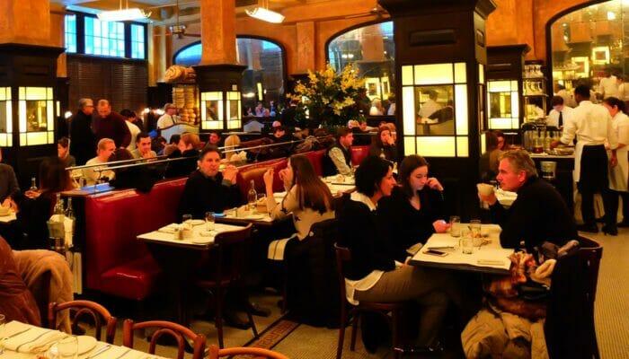 Romanttisia ravintoloita ja baareja New Yorkissa - Balthazar
