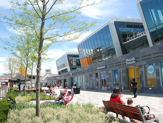 Empire Outlets New York City - Waterfront
