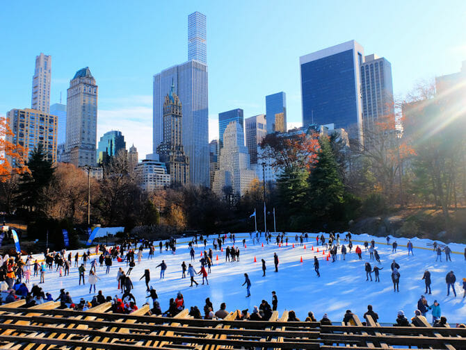 Central Park New Yorkissa - Luistelua Wollman Rink