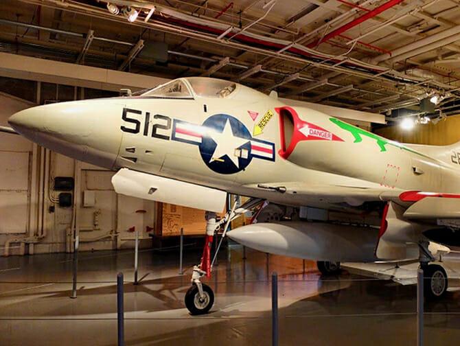 Intrepid Sea, Air and Space Museum New Yorkissa - Lentokone