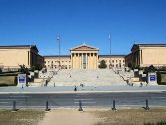 New Yorkista Philadelphiaan ja Amish Countryyn päivämatka bussilla - Philadelphia Museum of Art