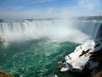 New Yorkista Niagaran putouksille päivämatka lentokoneella - Niagaran putoukset