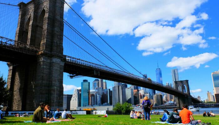 Brooklyn Bridge Park New Yorkissa - rentoutumassa