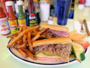 Tyypillista amerikkalaista ruokaa New Yorkissa