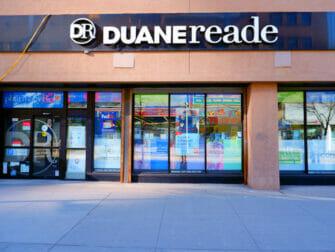 Kosmetiikkaostokset New Yorkissa - Duane Reade