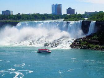 Niagaran putoukset päivämatka yksityiskoneella - risteily putouksilla