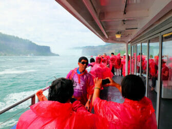 Niagaran putoukset päivämatka yksityiskoneella - turisteja