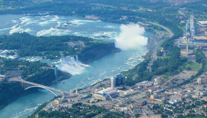 Niagaran putoukset päivämatka yksityiskoneella - nakymat koneesta