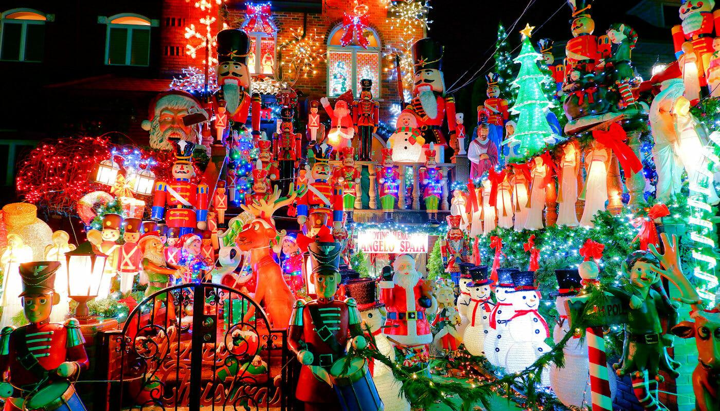 Dyker Heights Christmas Lights - Koristeluja