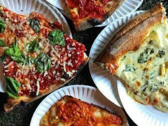West Village ruokakierros New Yorkissa - Pizza Artichoke-ravintola