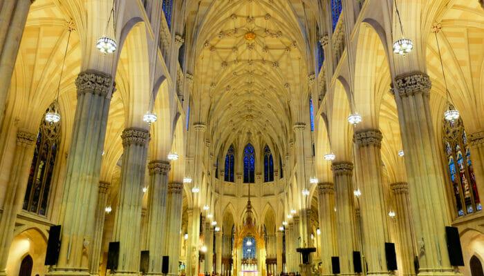 St. Patrick's Cathedral New Yorkissa - Näyttävää arkkitehtuuria