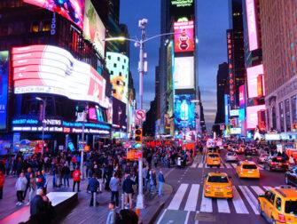 Gray Line Hop on Hop off bussi New Yorkissa Kiertoajelu illalla