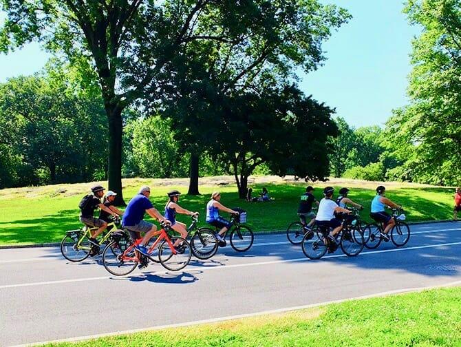Pyörän vuokraus New Yorkissa - Pyöräilyä Central Parkissa