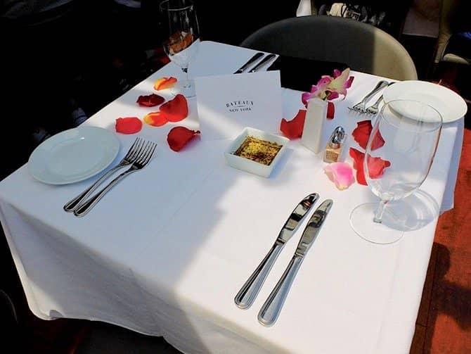 Bateaux-lounasristeily New Yorkissa - Romanttinen lounas