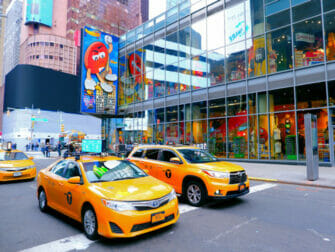 Theater District New Yorkissa - M&M kauppa