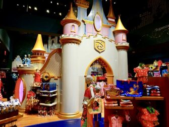 Disney-kauppa Times Squarella - Prinsessalinna