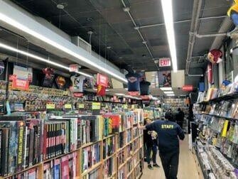 Supersankarit-kierros New Yorkissa - Sarjakuvakauppa