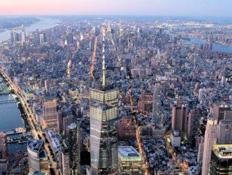 Yhdistetty ilta helikopterilento ja risteily New Yorkissa - Freedom Tower