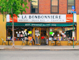 Breakfast New Yorkissa - La Bonbonniere