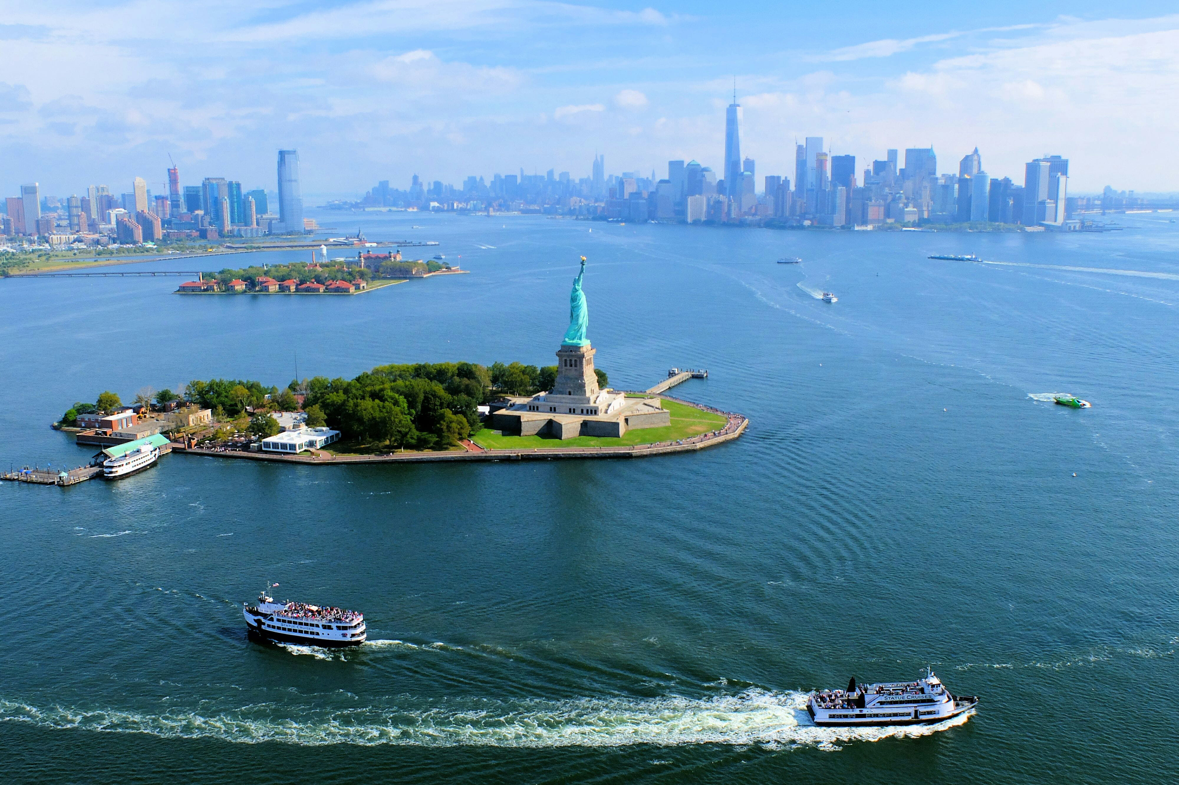 Helicopter Tour New York Skyline High Quality Wallpaper