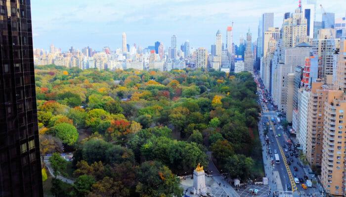 New Yorkin yöelämä: Uptown vai Downtown Ascent Lounge