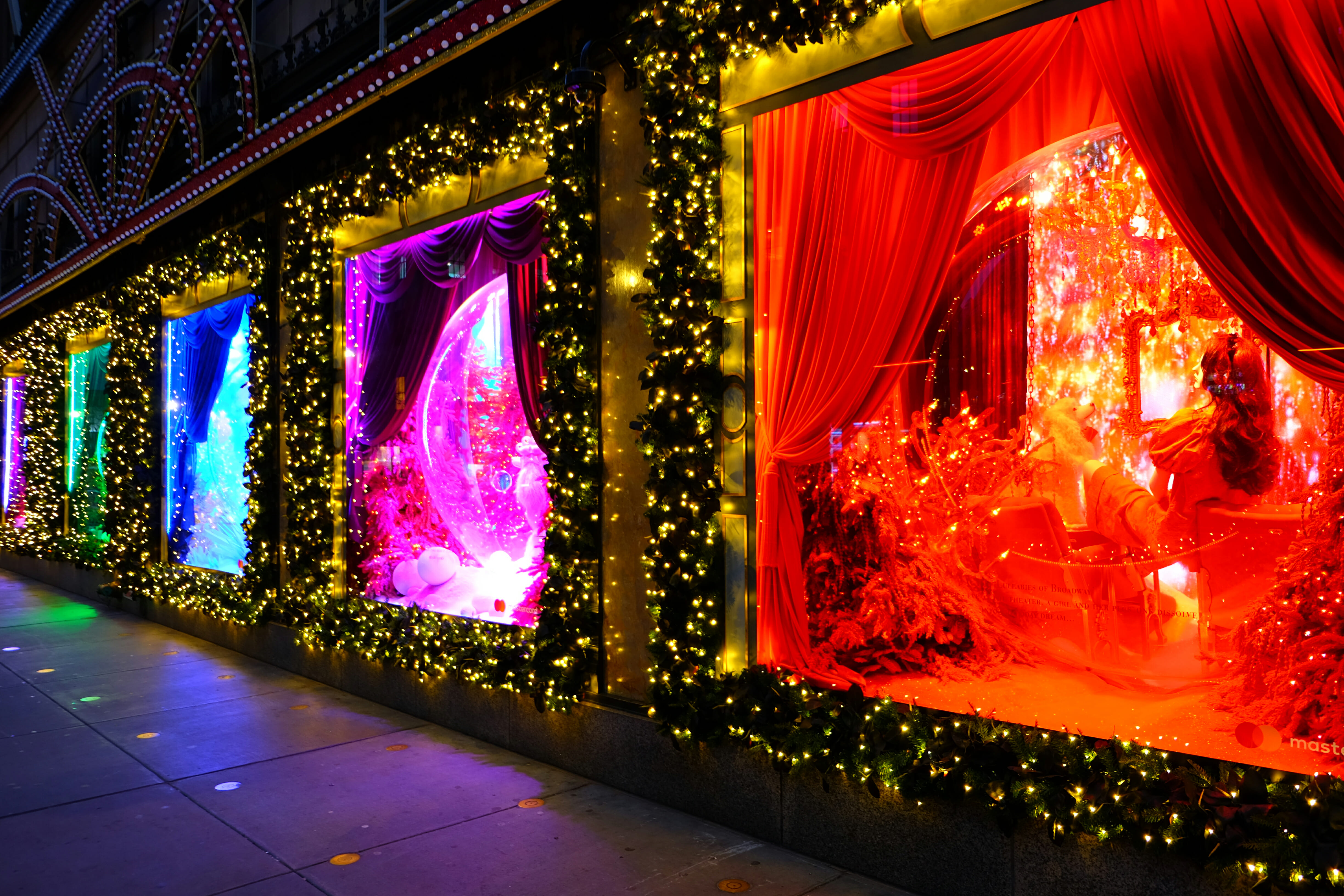 Saks on Fifth Christmas Window Decorations High Quality Wallpaper